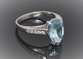 Pear shaped topaz ring