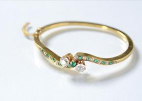 Antique victorian bangle, emerald and diamond