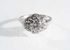 1920s platinum and diamond cluster ring