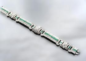 Important emerald and diamond art deco bracelet