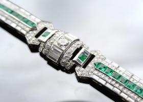 Important emerald and diamond art deco bracelet
