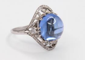 Antique Cabochon Sapphire Ring