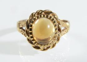 Citrine cabochon 9kt yellow gold dress ring