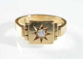 1960s diamond set star signet ring in 18kt yellow gold