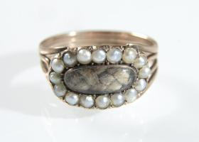 Georgian pearl mourning ring in 18kt rose gold