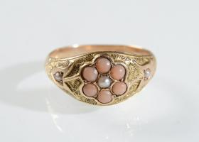 Victorian 15kt yellow gold pearl and coral bombé cluster ring