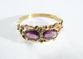 Early Victorian almandine garnet and emerald ring