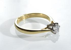 0.50ct diamond solitaire ring in 18kt yellow gold