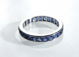 Square step cut sapphire full eternity band in platinum