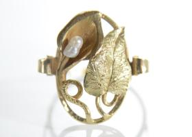 Art Nouveau seed pearl and Calla lily dress ring in gold