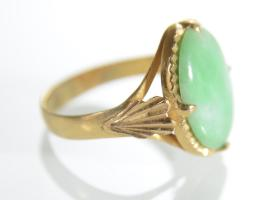 Art Nouveau Jade dress ring in 22ct yellow gold