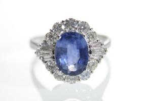 Vintage sapphire and mixed cut diamond cluster in 18kt white gold