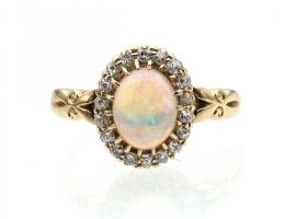 Antique oval opal and diamond cluster ring in 18kt yellow gold