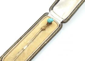 Antique Talon and turquoise stick pin in yellow gold