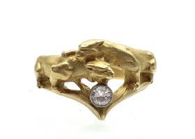 Art Nouveau double lioness diamond ring in gold