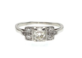 Art Deco diamond solitaire engagement ring in platinum