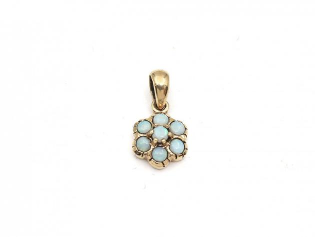 Vintage opal flower pendant in 9kt yellow gold