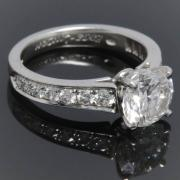 Edge diamond solitaire