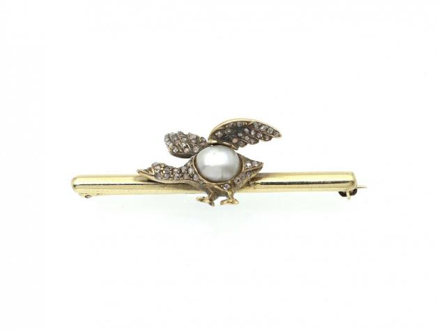 Antique goose bar brooch set with diamonds and natural pearl