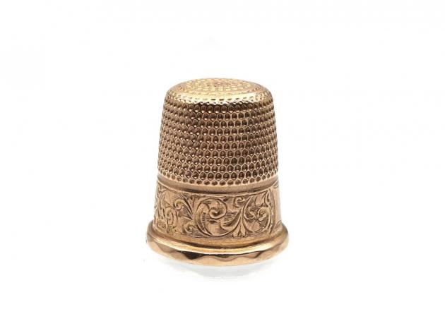 Antique 9kt rose gold thimble
