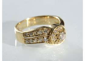Vintage French 18kt yellow gold diamond cluster ring