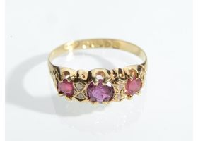 18kt yellow gold antique ruby and diamond three stone ring