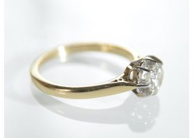 Antique 0.45ct diamond solitaire in 18kt yellow gold