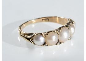 Antique 18kt yellow gold five stone pearl and diamond ring