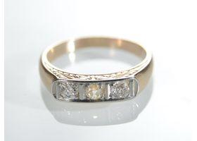 Art Deco diamond three stone band in 18kt yellow gold