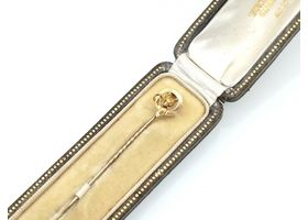 Antique fox and belt buckle stick pin in yellow gold