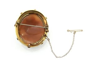 Victorian shell cameo of medusa in yellow gold