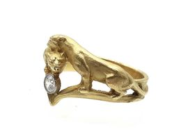 Art Nouveau double lioness diamond ring in gold