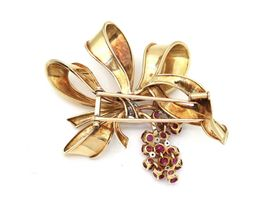 1950s diamond and ruby bow brooch in 18kt yellow gold