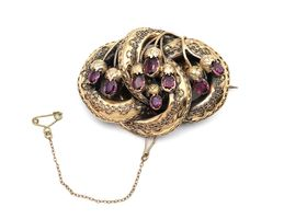 Victorian yellow gold and Almandine garnet knot brooch