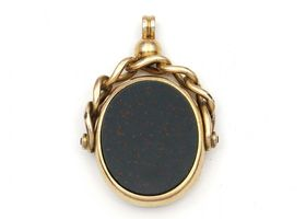 15kt yellow gold bloodstone and carnelian fob