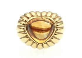 Retro heart shape cabochon citrine cocktail ring in 18kt yellow gold
