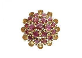 Vintage vertical ruby cluster ring in the form of a flower