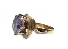 Vintage synthetic purple sapphire in 14kt yellow gold