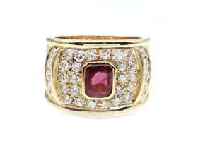 1980s ruby and diamond broad cocktail ring in 18kt yellow gold