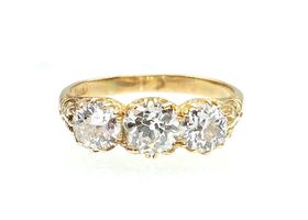 Victorian 18kt yellow gold three stone diamond ring