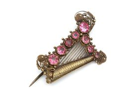 Late Georgian Irish harp brooch in yellow gold