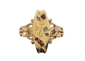 Antique plaque ring set with diamond and ruby in yellow gold
