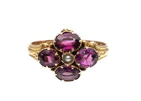 Antique quatrefoil garnet cluster ring in yellow gold