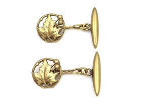 Art Nouveau maple leaf cufflinks in 18kt yellow gold