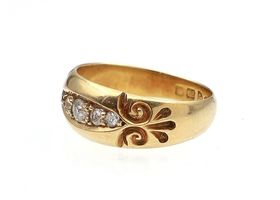 1903 five stone diamond carved ring in 18kt yellow gold