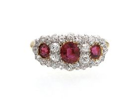 Edwardian ruby and diamond cluster ring in 18kt yellow gold