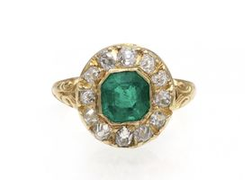 Victorian emerald and diamond cluster ring in 18kt yellow gold