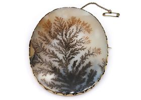 Georgian large moss agate brooch in 18kt gold