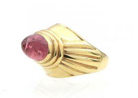 Boucheron Jaipur collection rose quartz ring in yellow gold