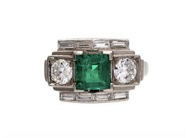 French Art Deco emerald and diamond geometric cluster ring